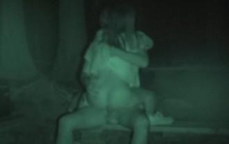 ハメを外して青姦している客を覗き続けているキャンプ場管理人の本物盗撮映像
