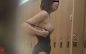 トイレ隠撮 スイミングスクール女子のおしっこ&うんち