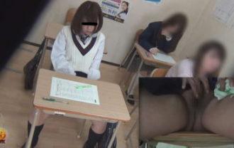 学習塾盗撮 授業中こっそり...オナニーする少女達