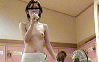 風呂上りの裸体は美しい02