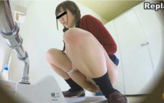 和式トイレ盗撮 便槽内叩きつけ! レーザービーム尿軸おしっこ2 女子校生編