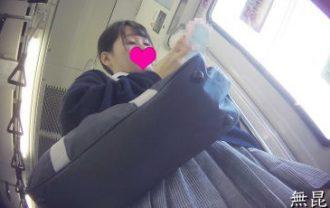 [制服JK]駅で前田○子似のJKに遭遇しドキッ!思わず一緒に乗車し生パンを堪能