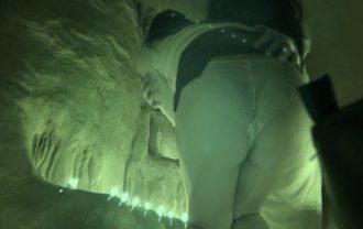 【某大文化祭炎上②】お化け屋敷の赤外線カメラにOL風お姉さんの太もも・パンツが写りっぱ。貞子wにミニスカめくられムチケツが丸出し