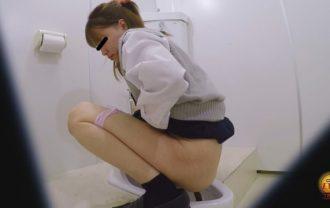 学校トイレ盗撮 女子校生の昼休み 急ぎめうんち2