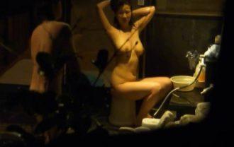 望遠盗撮!パージさんの家族風呂でイケナイお遊び! File.03
